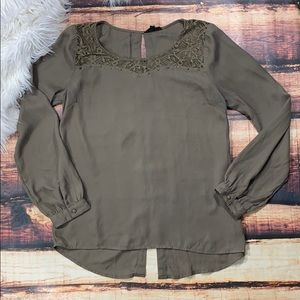 $5 Sale Hopes Green Lace Stud Top
